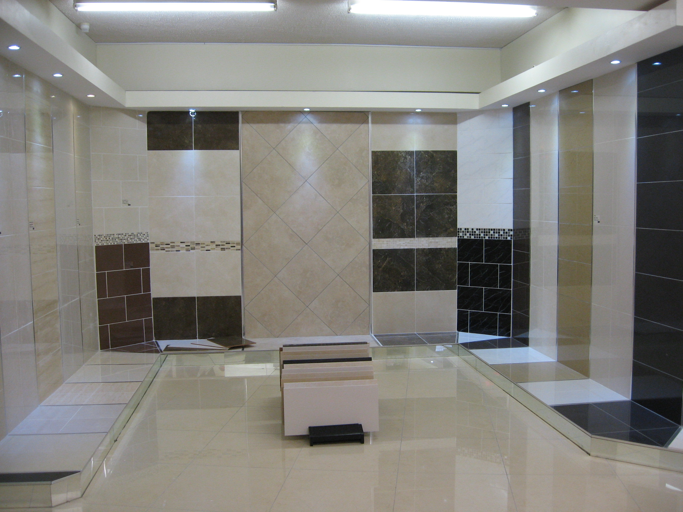 Amazing Tile Showroom Display Designs 2272 x 1704 · 888 kB · jpeg