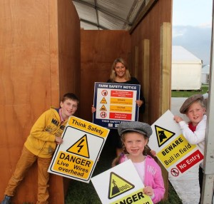 Pictured on-site during preparations for the new farm safety maze at next week's National Ploughing Championships are Dr. Vanessa Woods, Executive Director of Agri Aware, with (L-R) John Farrell age 10 (Tullamoy, Co. Laois), Maya age 6 and Grace Lynch age 7 (Ballinclea, Co. Laois). The farm safety maze is a collaboration between Agri Aware, FBD, the IFA and ESB Networks and will be located at Row 23, Stand 330.